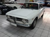 Alfa Romeo GT 1300 Junior Scalino