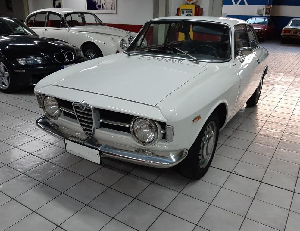 001 ALFA ROMEO GT 1300 JUNIOR 1967