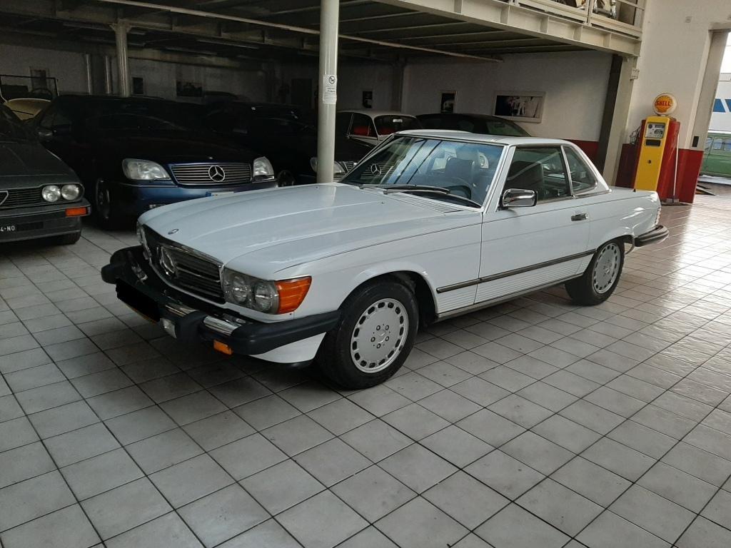 001 MB Mercedes Benz 560 SL US version classic car for sale